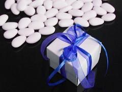 Italské svatební mandle v krabičce NIVEA MODRÁ mašle