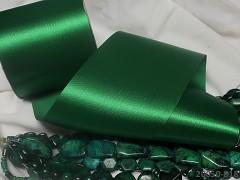 Zelená stuha atlasová 100mm široká stuha šerpa zelená