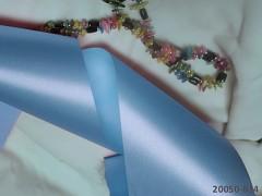 Modrá světle stuha atlasová 100mm široká stuha šerpa světle modrá