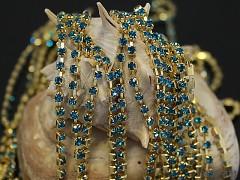 Zlatá borta štrasová TYRKYSOVÉ kamínky 3mm