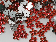 ČERVENÉ korálky našívací kabošony květinky 12mm, bal. 15ks