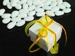 Italské svatební mandle v krabičce ŽLUTÁ mašle