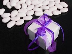 Italské svatební mandle v krabičce TMAVĚ FIALOVÁ mašle
