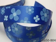 Stuha saténová 22mm KVĚTY na nivea modrém, svazek 2m