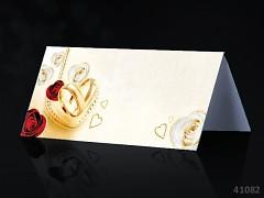 Svatební jmenovka ke stolu SMETANOVÁ s RŮŽEMI a svatebními prstýnky