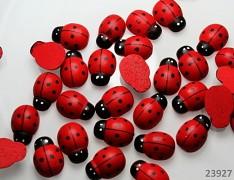 Červená beruška dřevěná - dřevěné berušky k dekoraci
