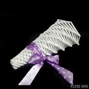 BÍLÝ kornoutek pro družičku na okvětní plátky růží  kornout