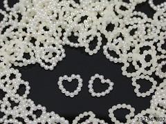 SMETANOVÉ IVORY perleťové kamínky srdíčka k dekoraci