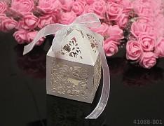 BÍLÉ luxusní perleťové krabičky na výslužku s mašličkou, bal. 2ks