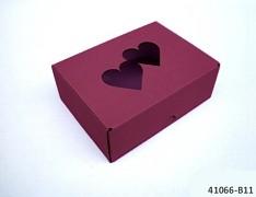 BORDÓ dárková svatební krabička na výslužku se srdíčky