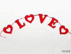 ČERVENÁ svatební girlanda LOVE & SRDCE