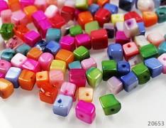 Pestrobarevná PERLEŤ kostky přírodní minerál, bal. 15g