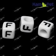 Bílé korálky písmena F korálek písmenko F písmenka