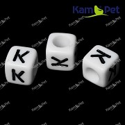 Bílé korálky písmena K korálek písmenko K písmenka