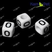 Bílé korálky písmena O korálek písmenko O písmenka