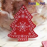 Červený dřevěný přívěšek velký vánoční stromeček k dekoaci á 1ks