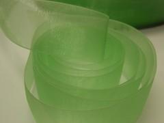 Zelená světle stuha organzová 25mm organza stužka šifónová světle zelená, svazek 3m