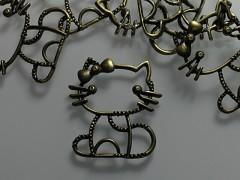 Přívěšek bronzový velká KITTY 38/36, bal. 1ks