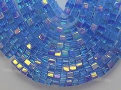 MODRÉ SVĚTLE korálky sklo kostičky 4/4 AB , bal. 15ks