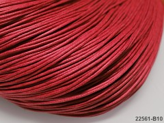 ČERVENÁ  voskovaná šňůrka 1,5mm bižuterní návlekový materiál, svazek 5m