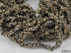 Přírodní minerál DALMATIN JASPER (chipsy) -  návlek 90cm